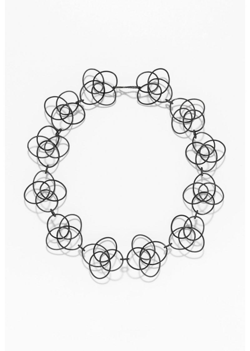 Sophia Epp, Collier, «Vierfachovaldiagonal», Silber, geschwärzt