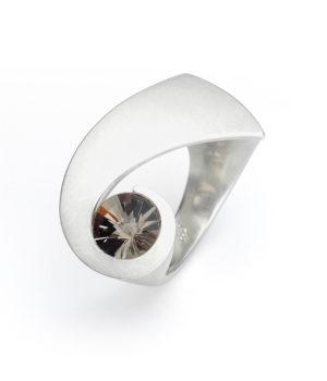 Angela Hübel, Ring «Komet», Silber, Rauchquarz Spirit Sun