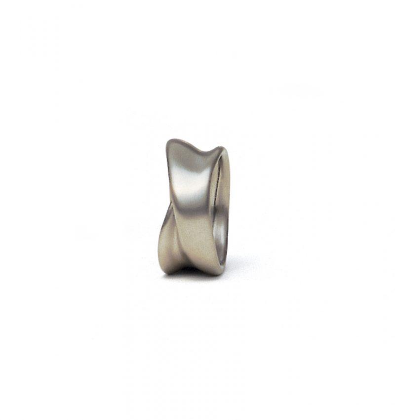 Rudi Sand, Ring «Faltenwurf / M5», 950/- Platin