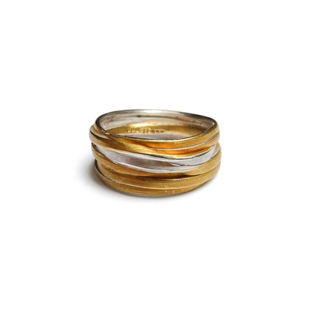 Ute Strothotte, Ring «Gewickelt WR122», 925/- Silber, 900/- Gelbgold