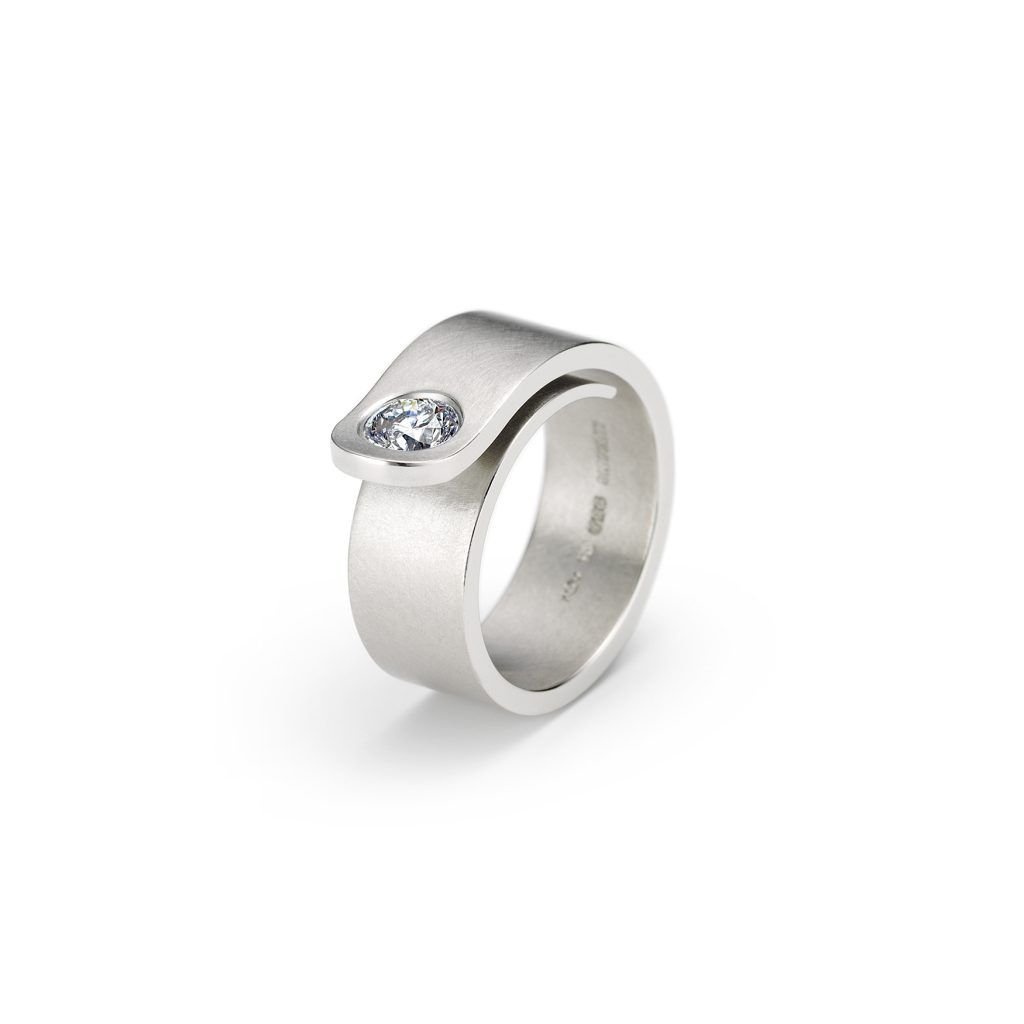 Niessing, Ring «Solitaire Loop, Gegenschwung», Platin, Brillant, N281920