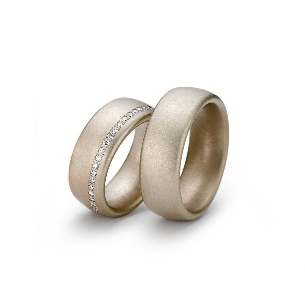 Niessing Trauringe Oval, Gold sandgrau, Brillanten, längs, seitlich, N131292