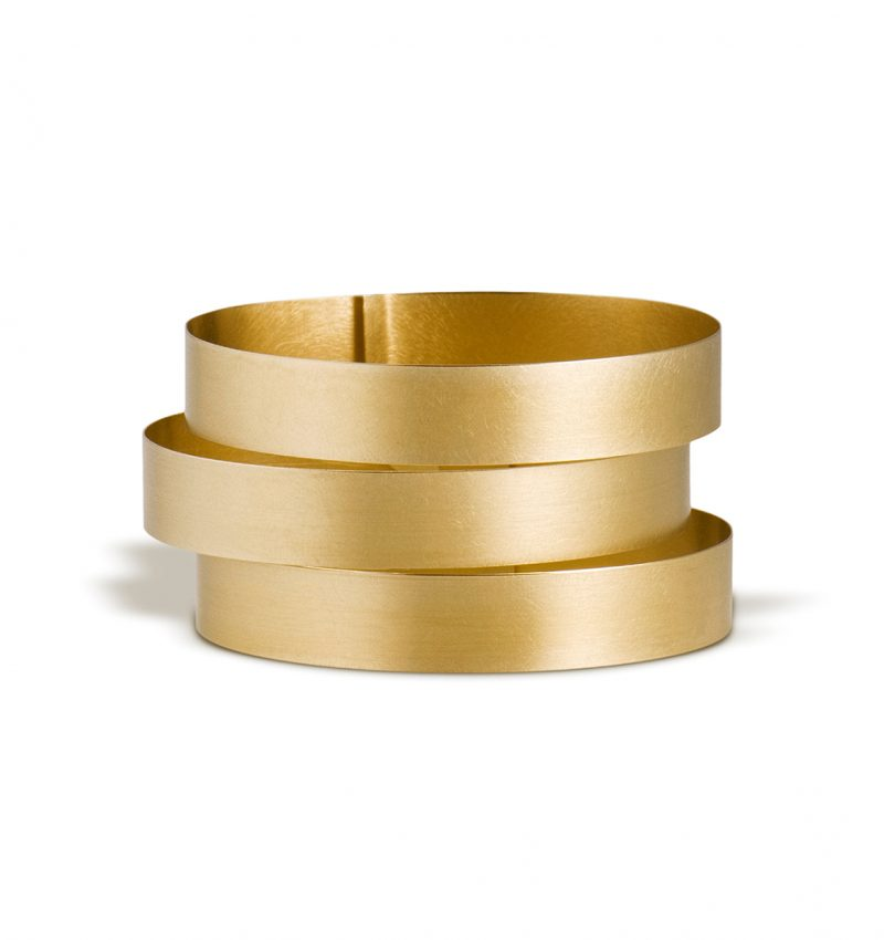 Claudia Hoppe, Armreif «Stripes breit», 38 mm, Gold