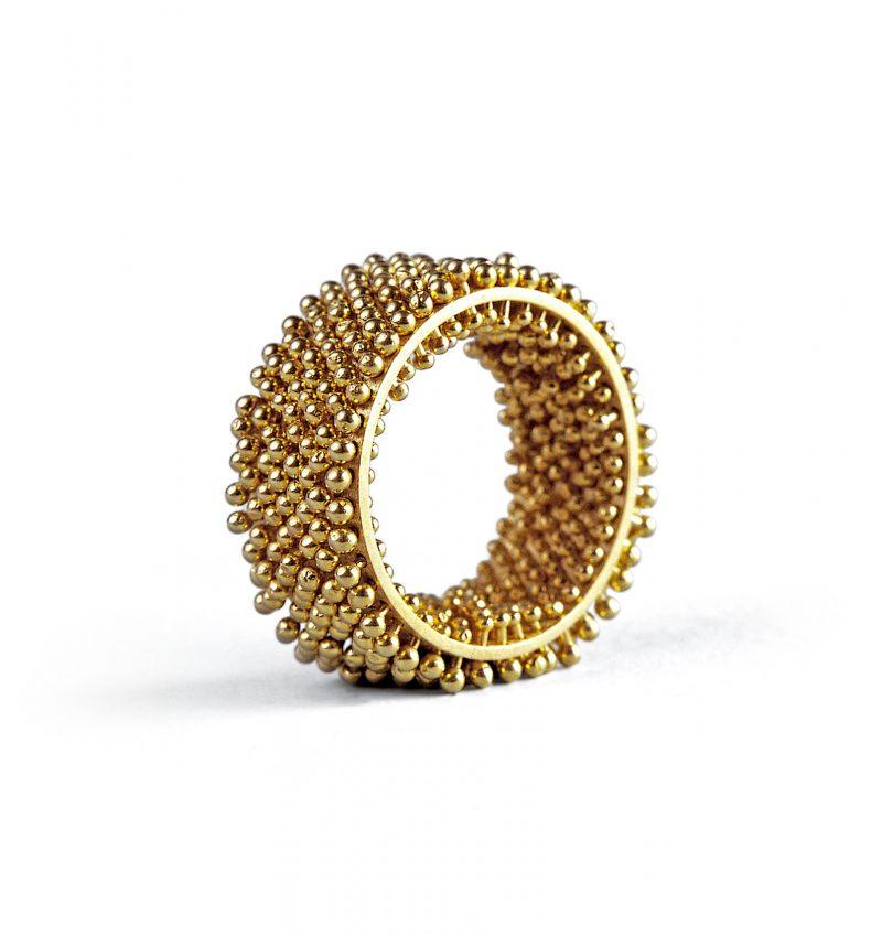 Erik Urbschat, Ring «Igel, fein», 8-reihig, 750/- Gelbgold